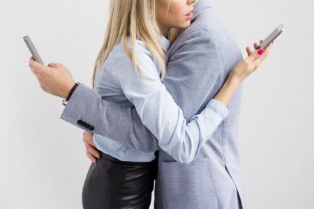 PHUB YOU:  Why Phubbing Is Destroying Your Love Life